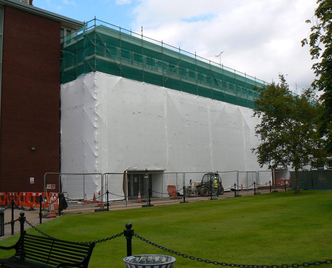 Queen's University Featured Image