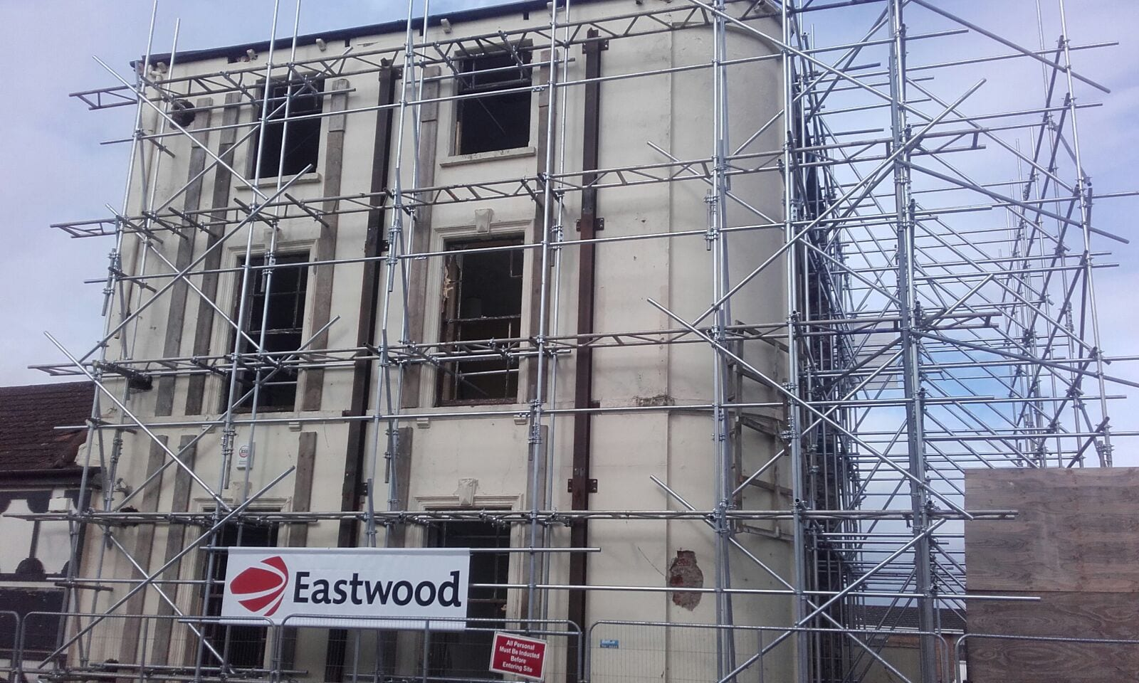 Old Priory Inn – Facade Retention Scaffold Featured Image